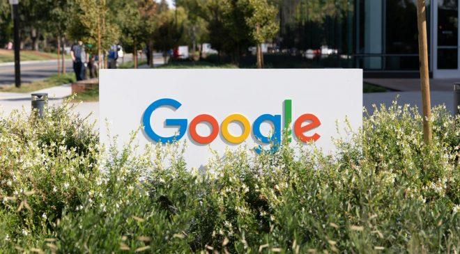 Google extends mandatory return to office date